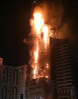 Sharjah 48-story high-rise�Abbco Tower caught on fire